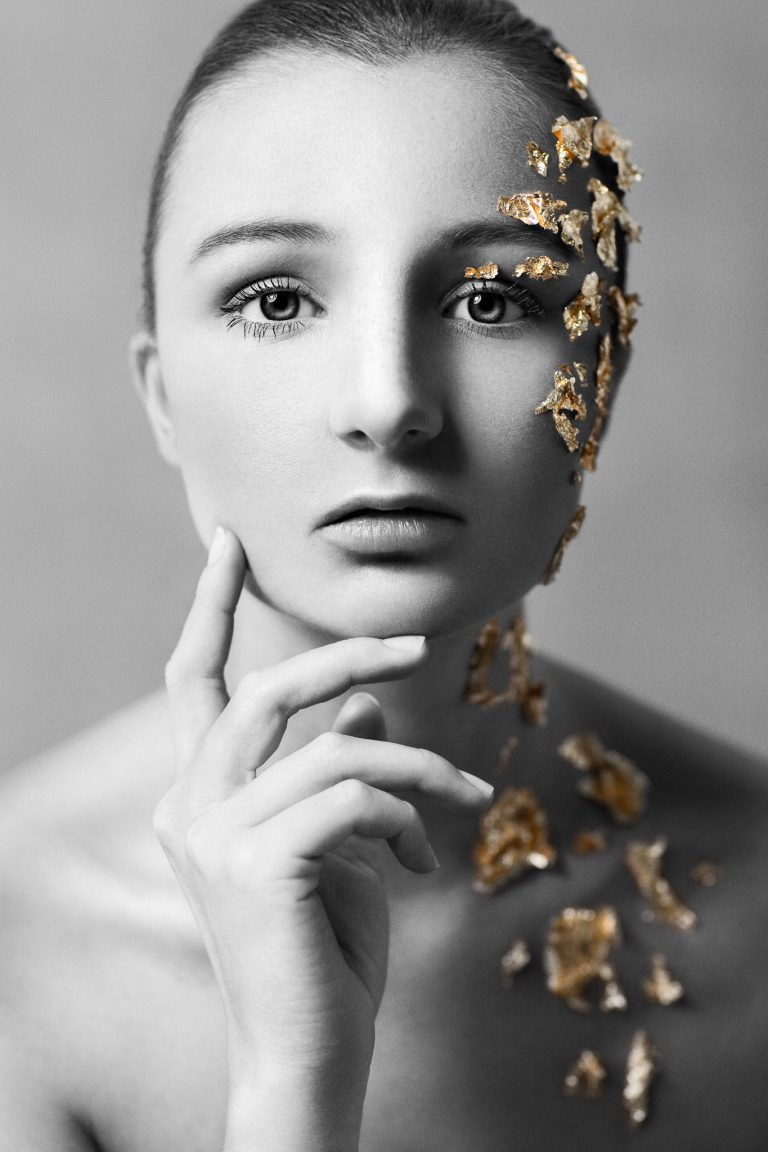 """""""gold"""" from """"the color in black & white"""" is a photography project by the artist Andy Stone I Andy Stone Photo"""