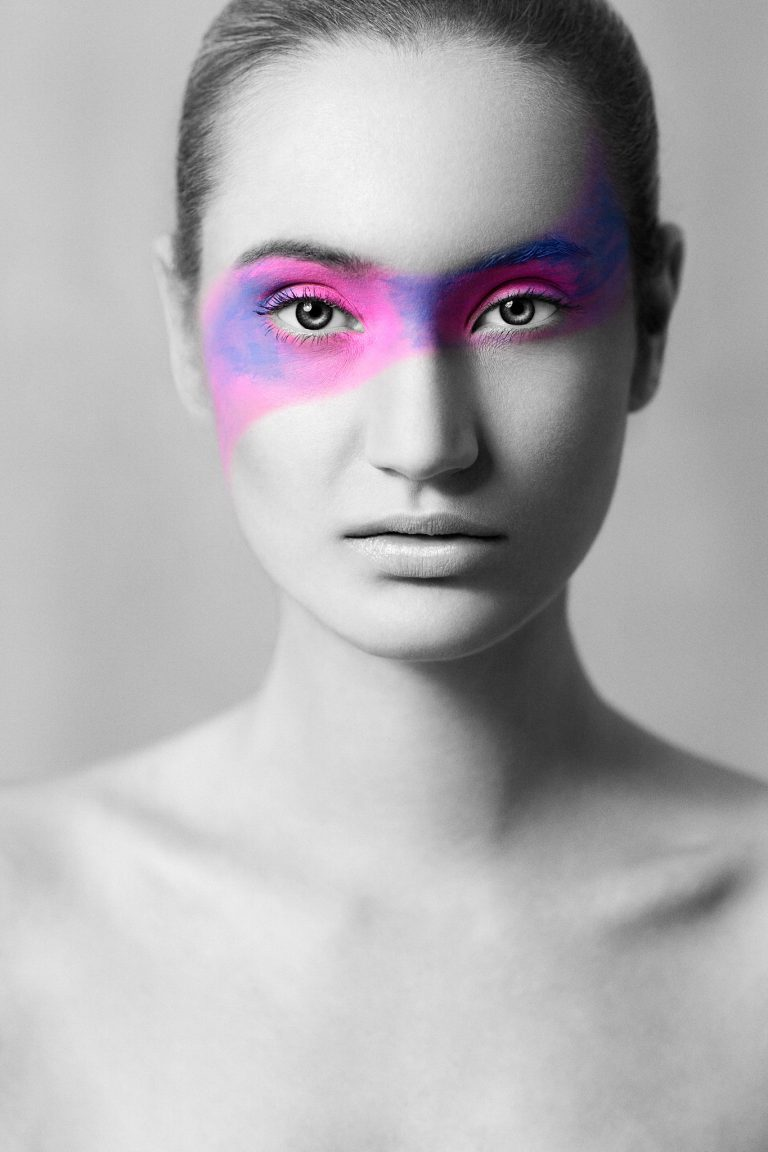 """""""purple"""" from """"the color in black & white"""" is a photography project by the artist Andy Stone I Andy Stone Photo"""